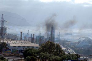 20130918194705-refineria-humos
