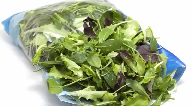 ¿Es seguro comer ensaladas de bolsa?